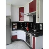 cozinhas planejadas branca e madeira Santo André