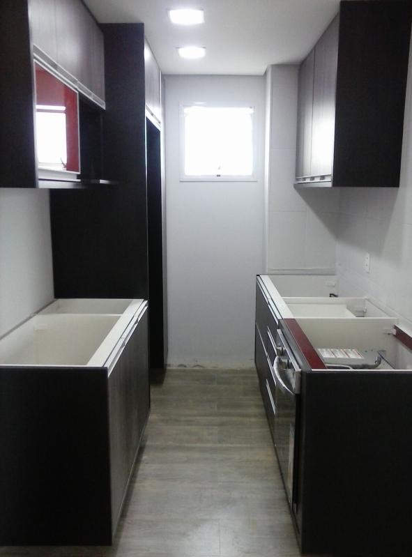 Cozinha Planejada para Apartamentos Pequenos Preço São Bernardo do Campo - Cozinha Planejada Branca e Madeira