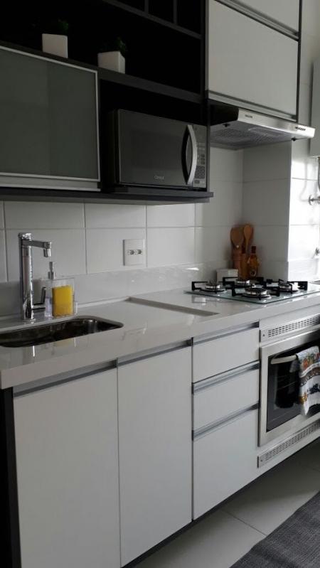 Cozinha Planejada para Casas Pequenas Preço São Bernardo do Campo - Cozinha Planejada Branca e Madeira