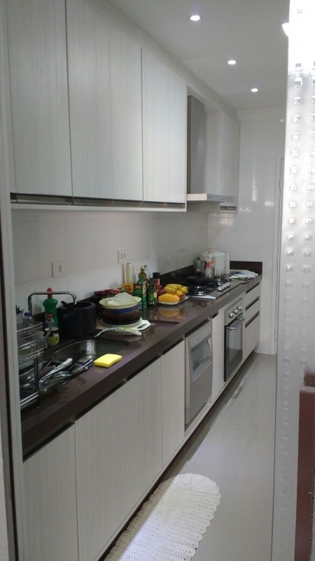 Cozinha Planejada para Espaço Pequeno Santo André - Cozinha Planejada Branca e Madeira