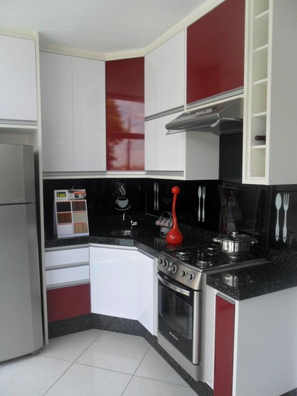 Cozinhas Planejadas Branca e Madeira São Caetano do Sul - Cozinha Planejada para Apartamento Mrv