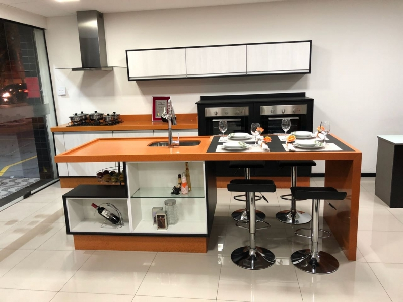 Cozinhas Planejadas para Espaço Pequeno Diadema - Cozinha Planejada Branca e Madeira